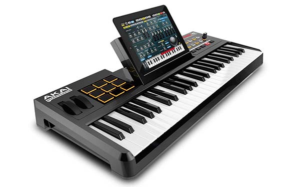 SynthStation49